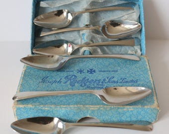 Vintage boxed set of Viners 6 spoons - grapfruit/breakfast etc