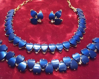 Lovely, vintage 50's, gold tone, thermoset lucite, necklace, bracelet, and screw back earring set with blue hearts!