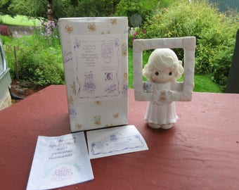 """1996 Symbol of Membership Precious Moments """"You're As Pretty As a Picture"""" in Box #C0016"""