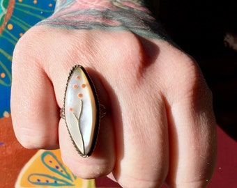 Vintage Mother of Pearl + Sterling Silver Ring Size 7