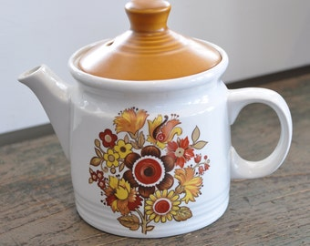 """Here's that little """"mod"""" teapot you are looking for!  """"Festival"""" by Myott - Made in England"""