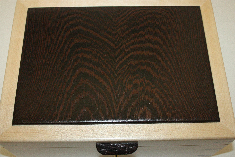 Plain Sliced Wenge Wood Lid on Box
