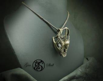 Large chameleon pendant