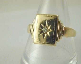 Diamond & 9 ct gold signet ring made in 1948 size S 3.5 grams very stylish