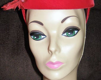Gorgeous Vintage 1940s Deep Red Velvet Pillbox Hat