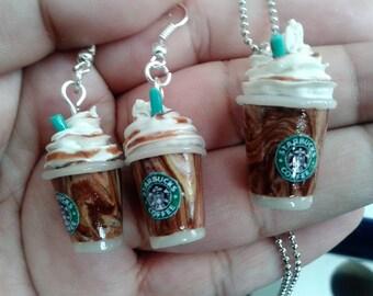 Starbucks coffe charm and earrings set handmade in clay minitatura food cute kawaii love mini foodie food polymer fimo sculpey gift friends