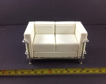 Dollhouse Miniature Living Room Modern Furniture Vinyl White 2 Seat Sofa 1:12