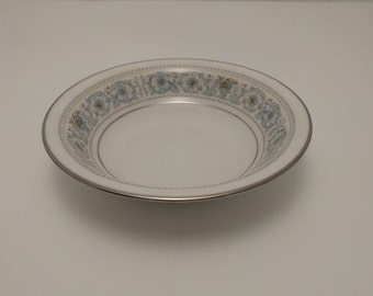 "Beautiful Noritake Ivory China 5-5/8"" Inch Fruit Dessert Bowl in the Monteleone #7569 Pattern"