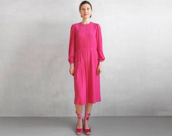 magenta dress with pleated effect / silky pink dress / magenta day dress / bold pink dress / spring dress / minimal pink dress / pink magent