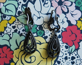 Vintage 1960s Clip on Pewter drop earrings texture design