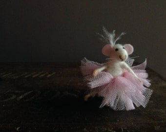 Needle felt-white mouse in tutu