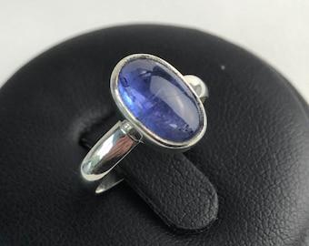 Tanzanite Cabochon Sterling Silver Ladies Ring. Size US-5.5, UK-K 1/2.
