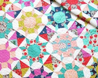 Shimmer quilt pattern - Modern star quilt pattern by Allison Harris of Cluck Cluck Sew - modern quilt, fat quarter friendly scrap quilt