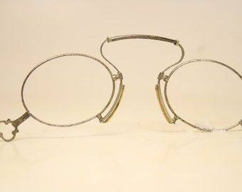Unused Antique Spring Bridge Pince Nez Eyeglasses