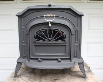 "Vermont Castings ""Resolute"" Wood Stove"