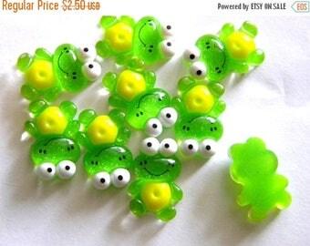 HALF PRICE 5 Green Glitter Frog Resin Flatbacks - Resin Cabochons
