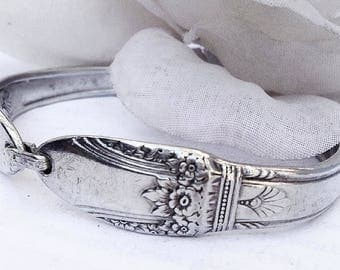 Spoon Bracelet, For Her, Spoon Jewelry, First Love ,Silverspoon Bracelet, Silverware Jewelery, Antique  Spoon Bracelet, Silverware Bracelet,