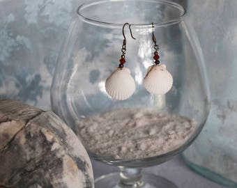White Scallop Shells with Red Swarovski Crystal and Metal Beads