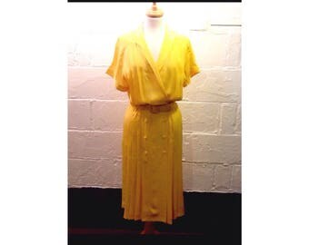 Sunny yellow silky polyester 80's summer dress - medium vintage yellow dress- vintage dress with belt - 80's yellow pleated dress - size 6