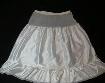 1950s Petticoat Tiered and Ruffled Medium Vintage Crinoline Rockabilly