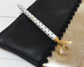 Diamond pen - White polka dots (A01)