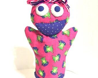 Hand puppet, soft puppet, handmade puppet, fabric puppet, toddler puppet, baby puppet, glove puppet, pink puppet, frog puppet, teaching tool