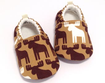 Moose Baby Shoes, Soft Sole Baby Shoes, Baby Booties, Baby Shower Gift, Brown Toddler slippers, Brown baby shoes,