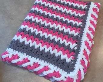 ZigZag Blanket with CrissCross Edge