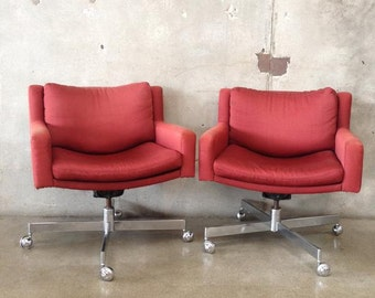 Pair of Mid Century Chairs by Stendig of Switzerland (ZGDCU4)