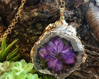 Terrarium agate geode crystal pendant preserved flower resin gold chain and silver necklace . Flowers, bohemian , free people