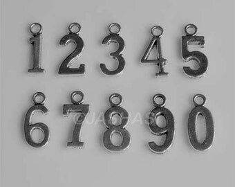 30 Numbers 0-9 Tibetan Silver Charms One Two Three Four Five Six Seven Eight Nine (004)