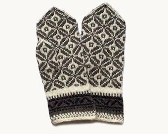 Mittens. Hand knitted mittens, wool mittens, colorful mittens, nordic mittens, Latvian mittens, grey mittens