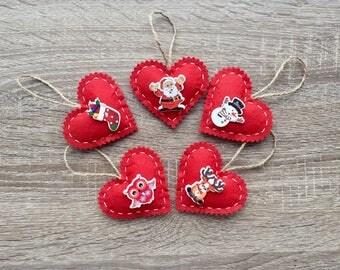 Set of 5 felt ornaments. Christmas hearts. New year ornaments. Home decor. Handmade gifts.