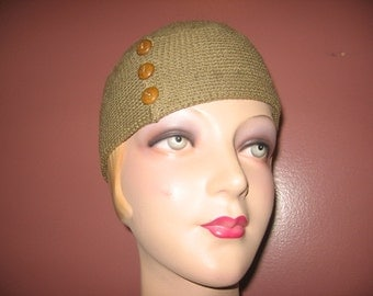 1930's Sporty Knit Wool Turban with Buttons!