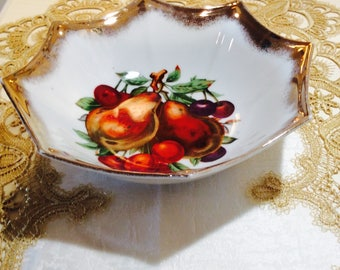 Vintage Gold Edge Bowl Fruit Pattern