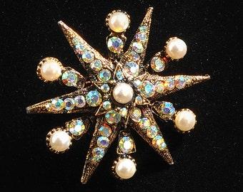 Rhinstone Brooch, Vintage Brooch, 1950's, Clear Glass Stones, Dazzling Star Brooch, Costume Jewelry, Rhinestone Jewelry, Rhinestone Pin