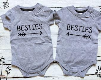 Besties Twin Baby Matching Onesies Set of 2 Twin Onesies Baby Shower Gift Baby Photoshoot Twins Newborn Besties Twins Best Friends Siblings