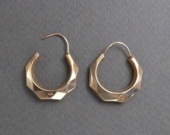 10K facetted hoop earrings