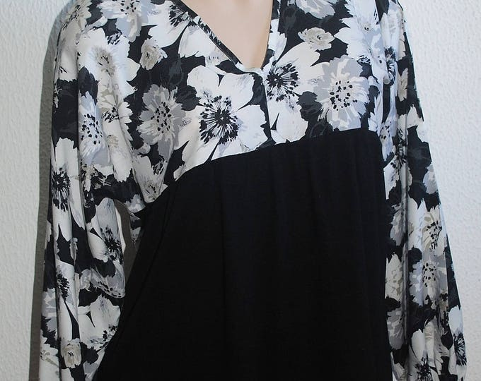 Blouse, Spring Blouse, Tunic, floral tunic, Womens Cloting, Black Blouse, Women's Tunic, Tops and Tees, Handmade Tunic, clothing