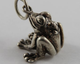 Frog With Baby Frog on its Back Sterling Silver Vintage Charm For Bracelet