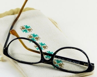 Accessory glasses, fleece, lining special glass, cord clamping, hand embroidery, done case hand, sliding case, cover embroidered