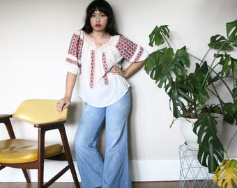 Vintage Spanish Style Embroidered Loose-Fit Linen Blouse