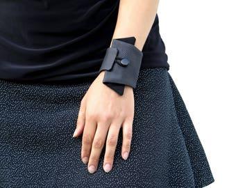 Wrist Wallet in Grey and Black, Fabric Bracelet, Cuff Bracelet With Hidden Pocket, Secret Wallet For Jogging, Travel Wallet