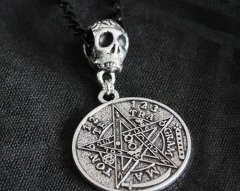 Necklace necklace chain black with a silver ring skull and silver pendant engraved metal of Pentagram pattern