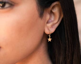 Gold star hoops - minimal huggie hoop earrings - dainty gold huggies - star hoop earrings - trendy hoop earrings - dainty star earrings