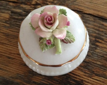 Vintage China Flower Topped Trinket Pot, In Very Good Condition.