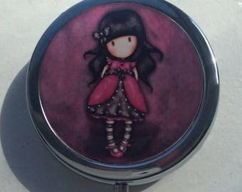 Pill, jewlery and little treasure/ BOXE/ Lovely girl wish dress