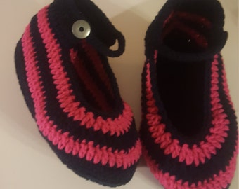 Womans crocheted booties slippers