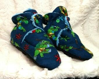 TMNT slipper, grip bottom snap closed plush interior