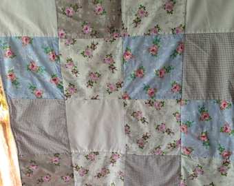Romantic blankie in patchwork style